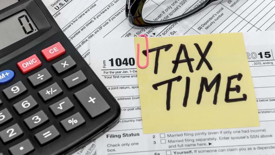 how to pay less taxes